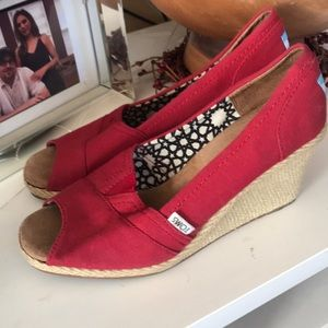Bright Red Tons wedges in ♥️Red Size 9.5